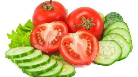 टोमॅटो आणि काकडी