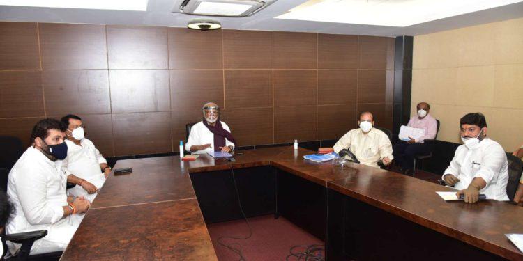 मंत्रिमंडळ उपसमितीची बैठक संपन्न